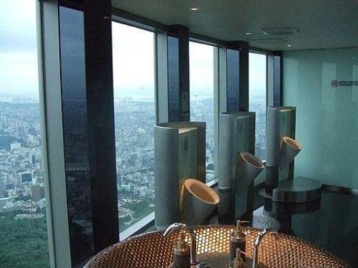 Необычный туалет