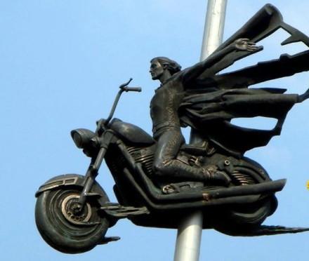 Памятник Байкерам