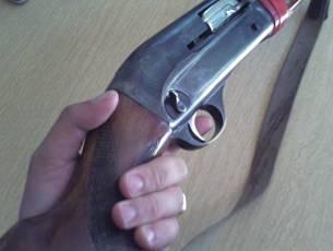 Обидчиков дочери - Отец расстрелял  !