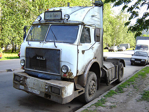 Что можно сделать необычного из русской машины (24 Фото )