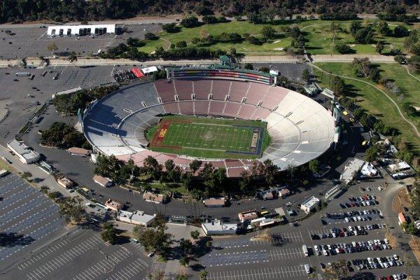 Американец за двое суток сменил 39250 мест на стадионе