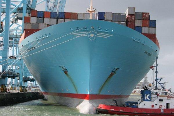 Самое большое грузовое судно в мире (7 фото)