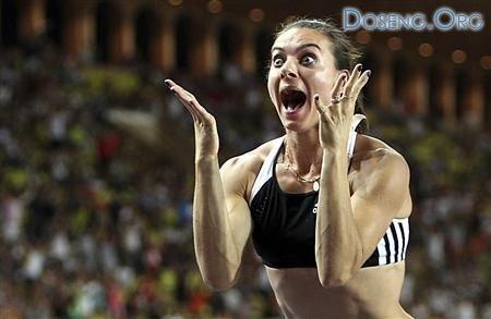 Яркие эмоции Елены Исинбаевой (4 Фото)