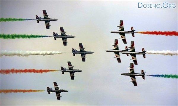 Выступления пилотажных групп на авиашоу в Венгрии