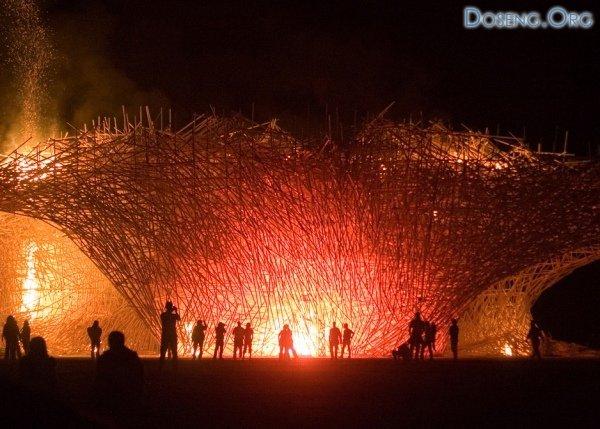 Лучшие инсталляции на фестивале Burning Man