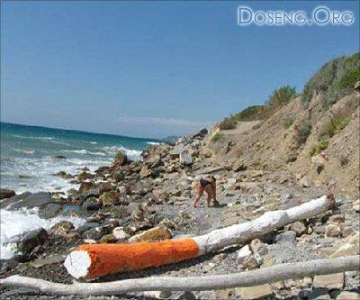 Креативная инсталляция на пляжах Италии