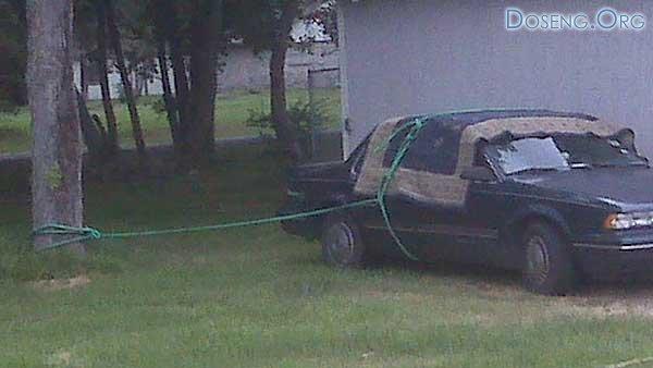 Простой способ уберечь машину во время урагана (на примере Америки))