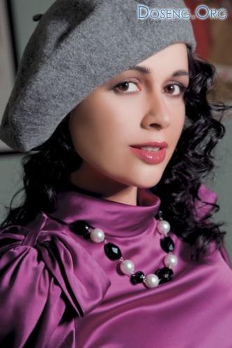 Анастасия Заворотнюк рекламирует одежду