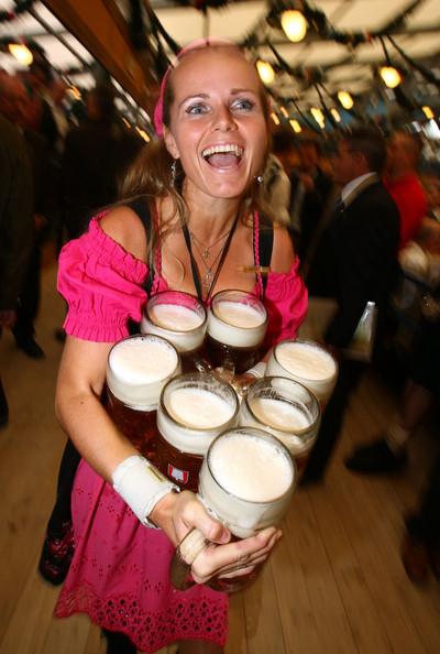 Праздник пива Октоберфест (Oktoberfest) в Мюнхене