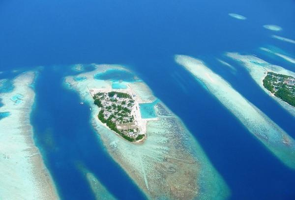 Экзотические острова с крыла самолета