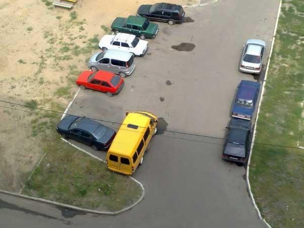 Непризнанные мастера парковки (22 фото)