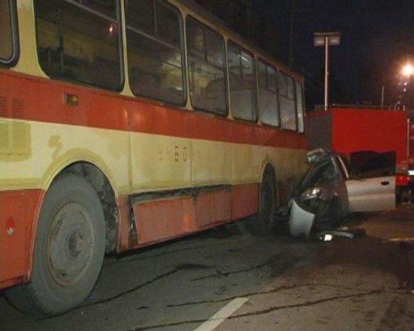 Жесть. Авария в Киеве (10 фото не для слабонервных)