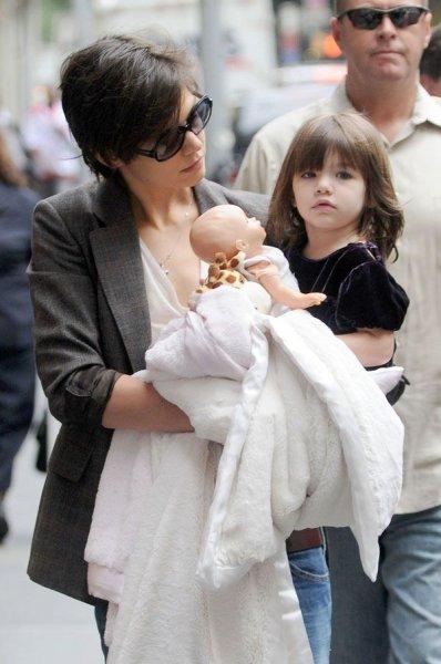 Кэти Холмс с дочкой