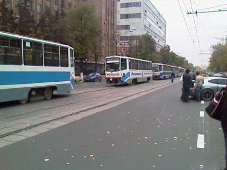 Схватка Феррари и трамвая