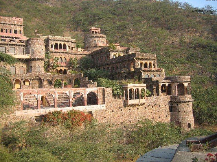 Старинные замки шедевры архитектуры