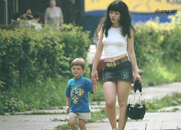 Самая молодая мать в мире (6 фото)