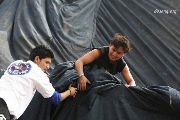 В Перу сшили самые большие джинсы