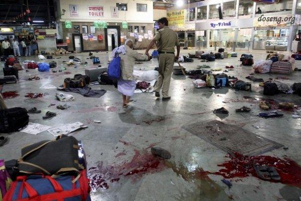 В Мумбаи в результате нападения боевиков погибли более 80 человек