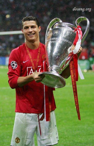 Названа десятка лучших футболистов планеты
