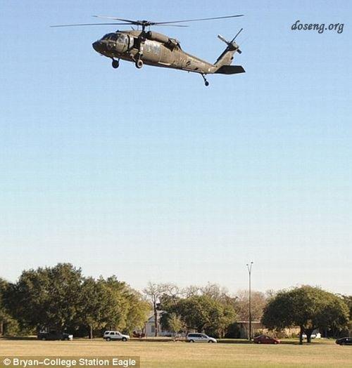 падение вертолета на территорию университета в Техасе (7 фото)