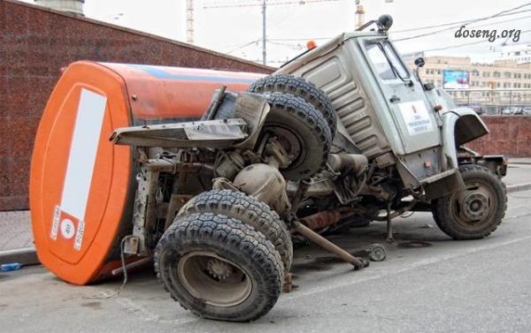 Аварии и происшествия с авто (29 фото)