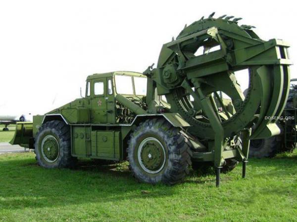 Списанная военная техника (14 фото)
