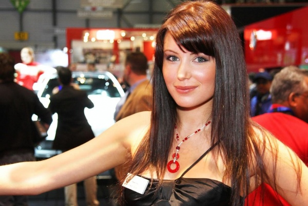 Девушки с Женевского автосалона 2009 (36 фото)