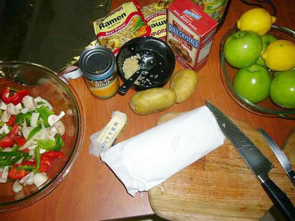 Как быстро и вкусно приготовить еду на трассе (12 фото)