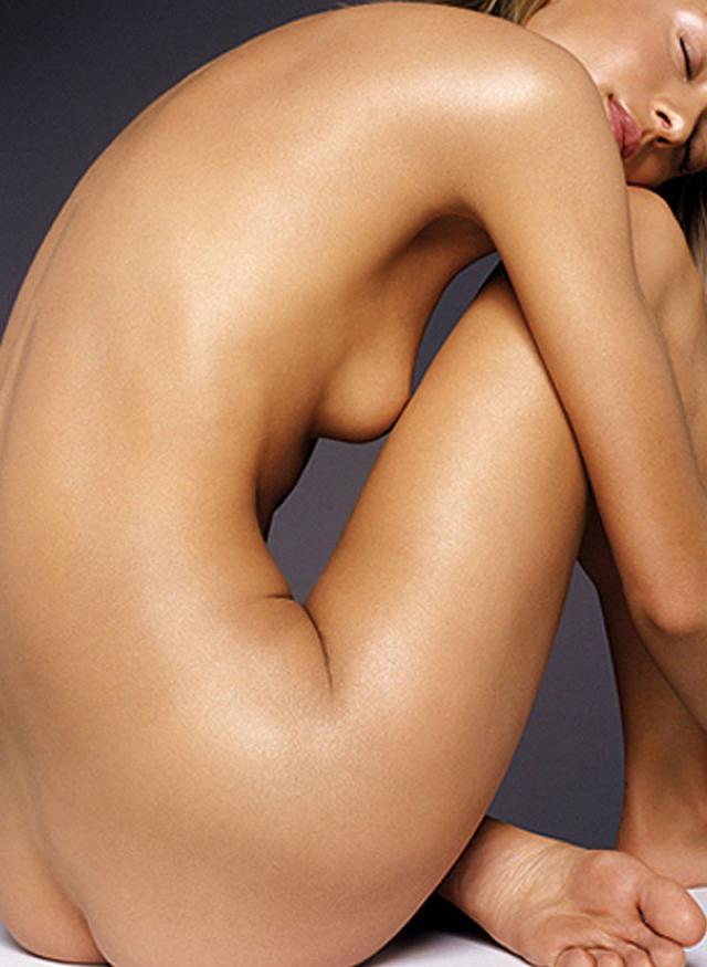 Обнаженное Женское Тело Фото И Видео