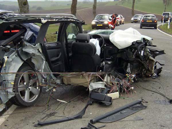 Жестокие аварии (21 фото)