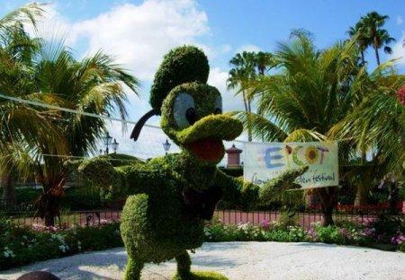 Диснеевские герои из растений. (15 фото)