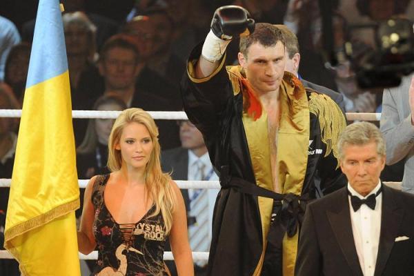 Победа Виталия Кличко (8 фото)
