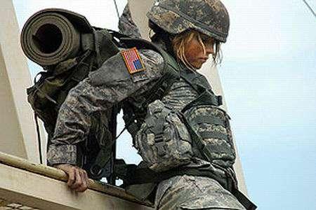 Девушки в эротичной военной форме, девушку держали и поимели