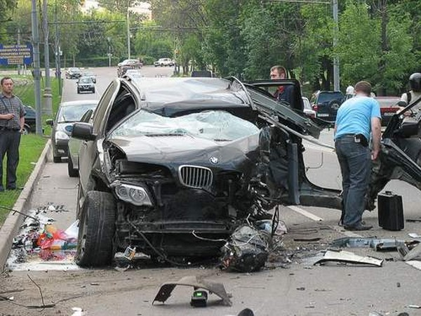 Авария с участием BMW X5. Жесть! (5 фото)