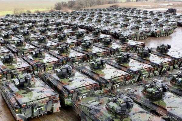Утилизация танков (3 фото)
