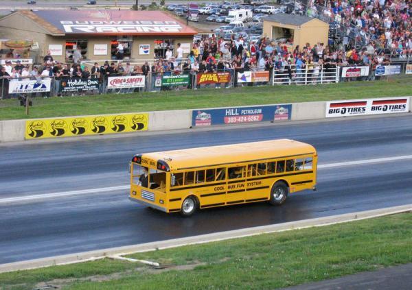 Крушение супер-автобуса (6 фото)