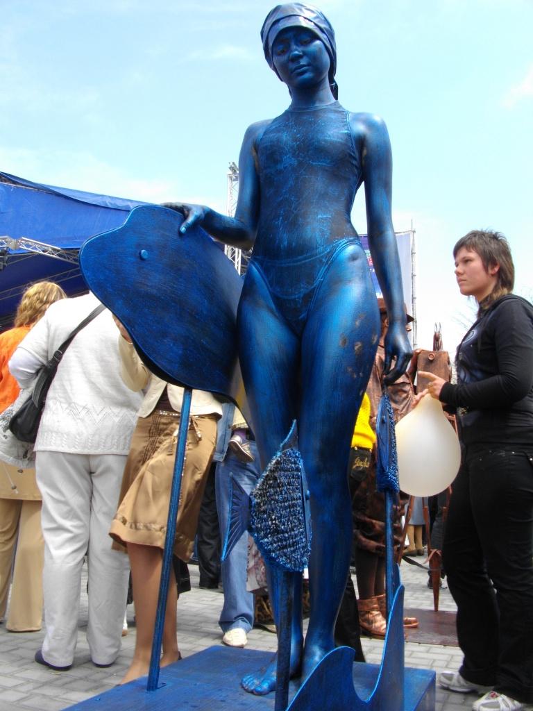 Как из человека сделать статую