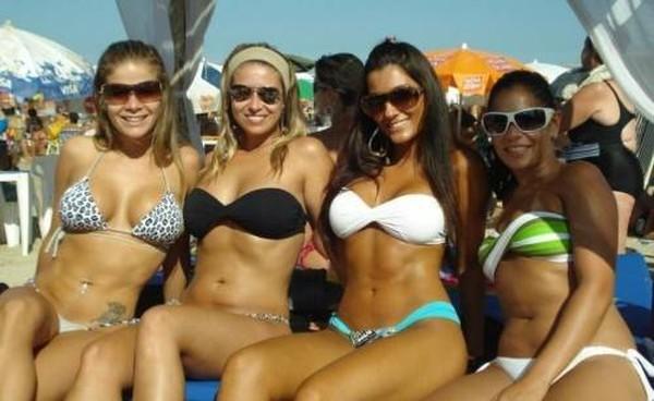 Девушки из социальных сетей Бразилии (35 фото)