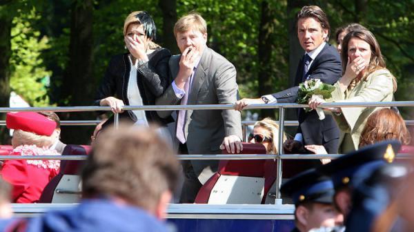 Происшествия в голландском Апелдорне (6 фото)