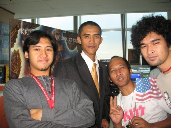 Двойник Обамы (10 фото)