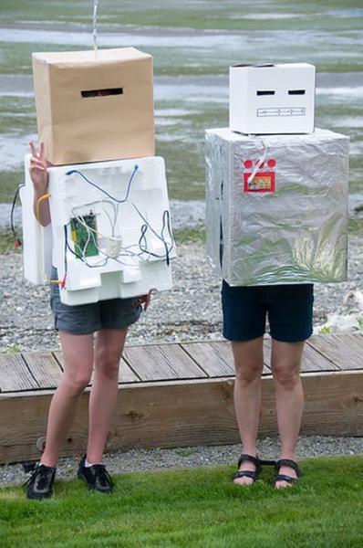 Неудачные костюмы роботов (15 фото)