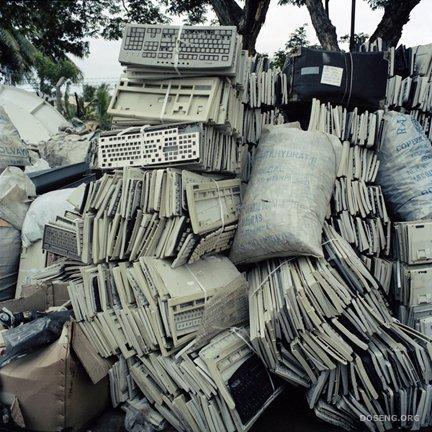 Кладбище компьютеров (10 фото)