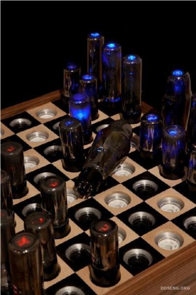 Вакуумные шахматы (Шахматы Тесла)
