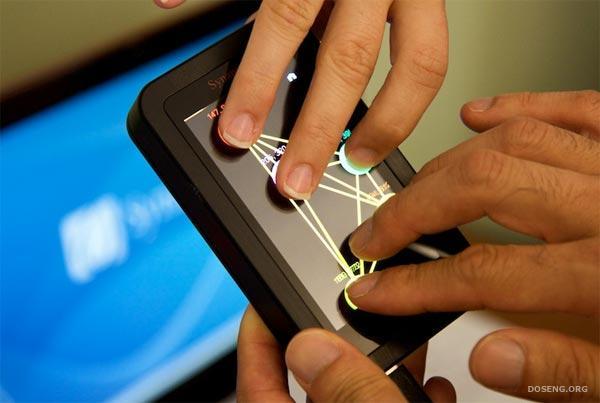 Дисплей Synaptics ClearPad 3000 - распознает прикосновения 10-ти пальцев од ...