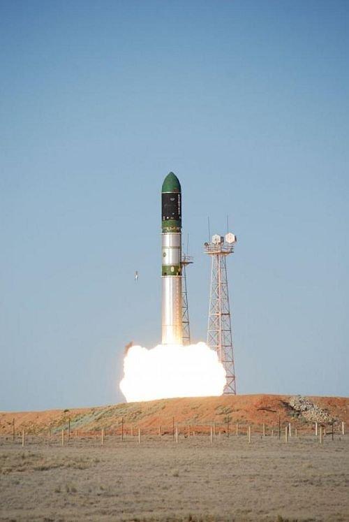 Порошенко пообіцяв оновити ракетну програму в разі перемоги на виборах - Цензор.НЕТ 6155