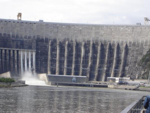 На Саяно-Шушенской ГЭС произошла авария (13 фото)