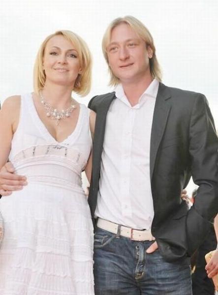Самые ожидаемые свадьбы звезд (11 фото + текст)