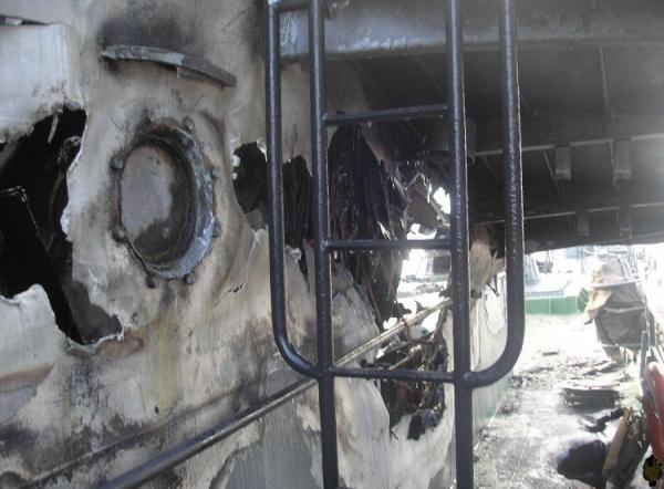 После пожара (13 фото)