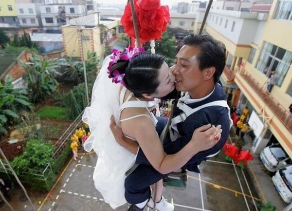 Необычные свадьбы (39 фото)