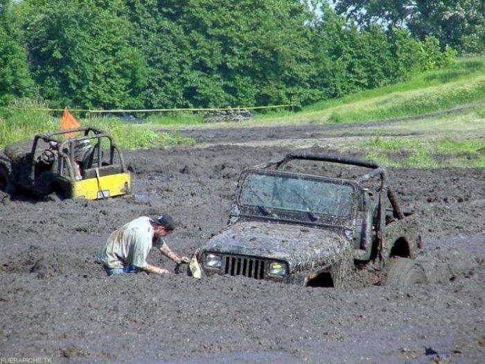 джипы в грязи фото